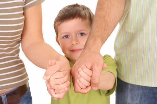 Как усыновить ребенка: требования к усыновителям