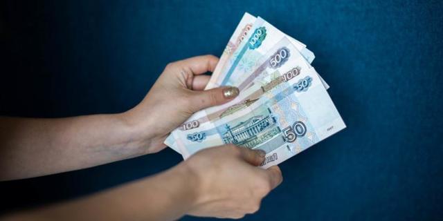 Какие выплаты положены приемной семье в 2021 году